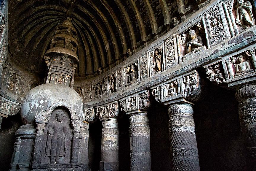 www.enthusiasticbuddhist.com Buddhist pilrimage ajanta caves 6